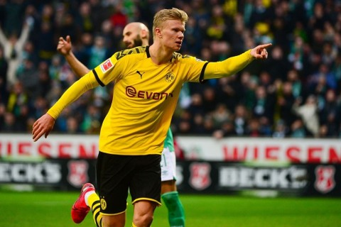 Lewandowski Sarankan Haaland Bertahan di Dortmund