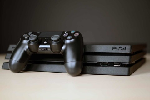 Penjualan PS4 Tembus 110 Juta Unit, Masih Kalah dari Game Boy