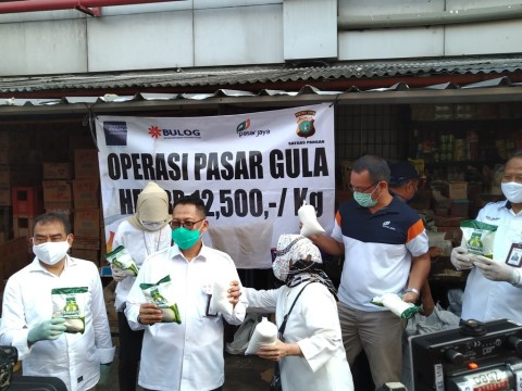 Perum Bulog Operasi Pasar Stabilisasi Harga Gula