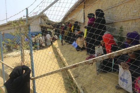 Ketakutan Pengungsi Rohingya Usai Covid-19 Menjalar di Penampungan