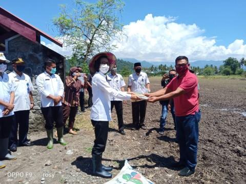 Bantuan Pompa Air Percepat Gerakan Tanam Padi di Sambas