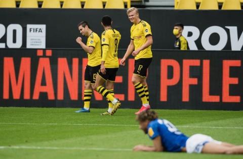 Bundesliga Kembali, Dortmund Hancurkan Schalke