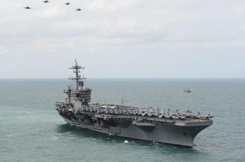 8 Pelaut Kapal Induk AS Kembali Positif Covid-19