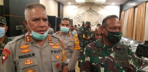 Polda Papua Libatkan Tokoh Adat untuk Kembalikan Senjata Aparat