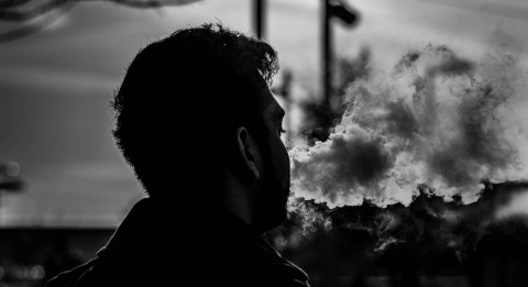 Studi Kaitkan Rokok Elektrik dengan Asma