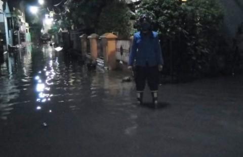 Banjir di Kebon Pala Mulai Surut