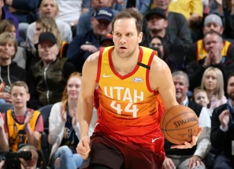Forward Utah Jazz Manfaatkan Jeda NBA untuk Operasi