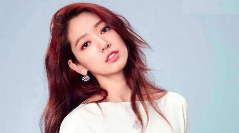 Park Shin Hye Sumbang Suara di Album Dokumenter Band We Are The Night