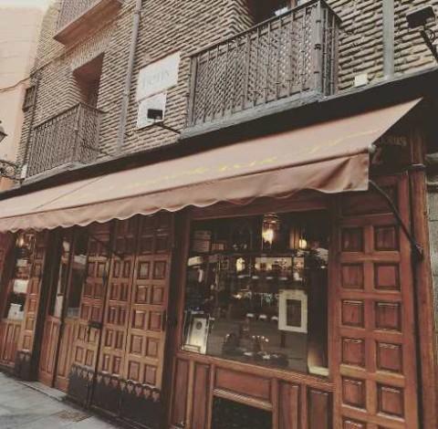 Mengunjungi Restoran Tertua di Dunia