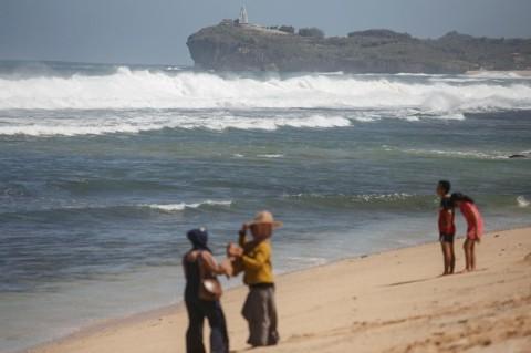 Pembukaan Kembali Objek Wisata Gunungkidul Belum Jelas