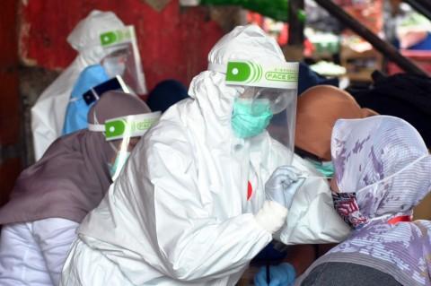 Pengunjung Mal Paragon Semarang Diburu Tes Swab Covid-19