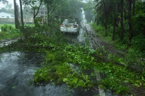 Badai Amphan Terjang India dan Bangladesh