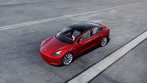 Tesla Sudah Siap dengan Teknologi Baterai 1,6 Juta Kilometer