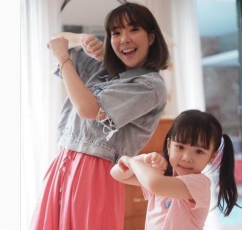 Tips Mendampingi Anak Belajar di Rumah ala Gisella Anastasia