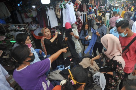 Potret Keramaian Pasar di Berbagai Daerah Jelang Lebaran