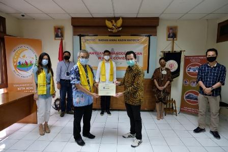 AXA Mandiri Salurkan Sembako dan APD Rp1,37 Miliar