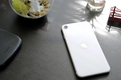 iPhone SE Bantu Pulihkan Penjualan Smartphone