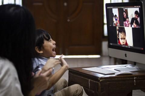 Cerita Anies Silaturahmi Virtual dari Rumah