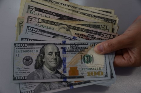 Dolar AS Merosot