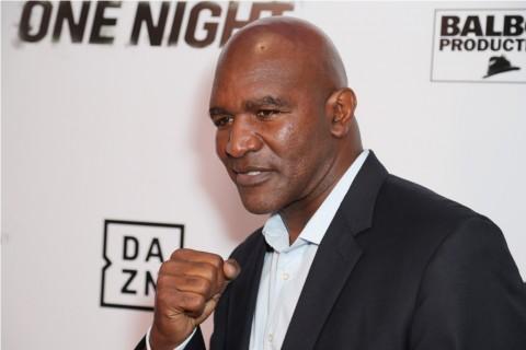 Holyfield Mau Kembali Bertarung Jika Ditantang Mike Tyson
