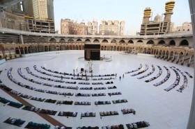 Arab Saudi Tutup Masjid Hingga Rabu
