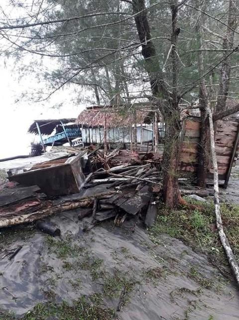 77 Lapak Pedagang di Aceh Singkil Tergerus Abrasi