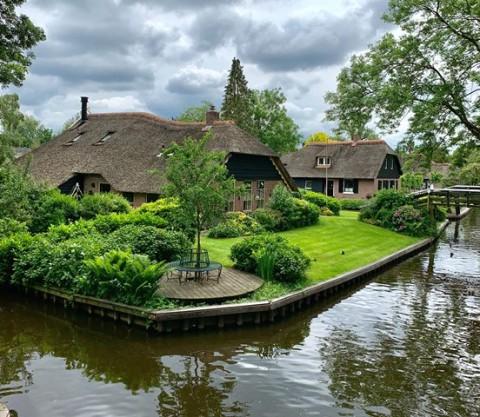 Desa Menawan Tanpa Akses Mobil di Belanda