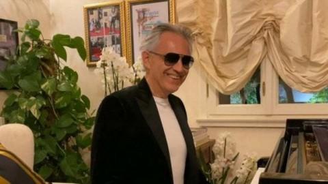 Sembuh dari Covid-19, Andrea Bocelli Donasi Darah untuk Riset