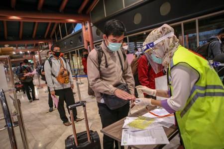AP I Wajibkan Penumpang Tujuan Jakarta Membawa SIKM
