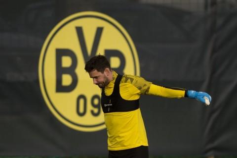 Chelsea Ingin Kiper Dortmund Gantikan Kepa Arrizabalaga