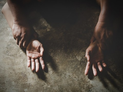 Seorang Wanita Diperkosa Kenalan Pria Lewat Tinder