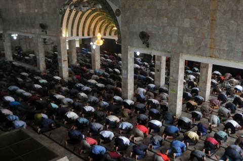 Masjid di Beberapa Daerah Kembali Gelar Salat Jumat