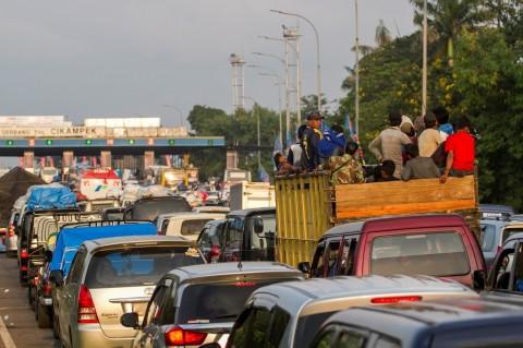 298.829 Kendaraan Kembali ke Jakarta Pascalebaran