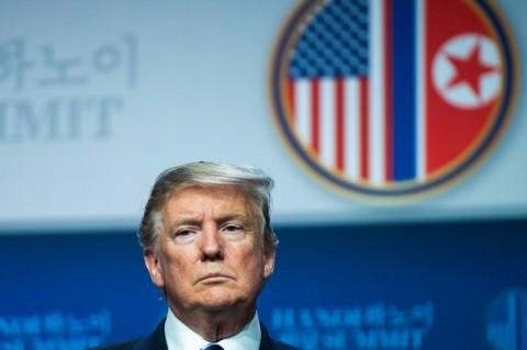 Trump Selidiki Perusahaan Tiongkok di Pasar Saham AS