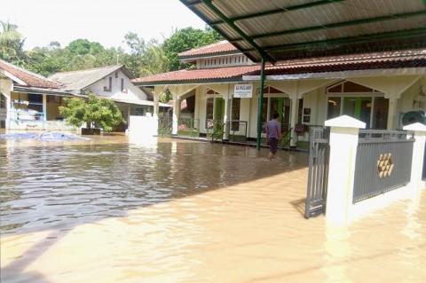 Tanggul Jebol, 265 Rumah di Banyumas Terendam Banjir