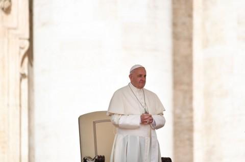 Fransiskus Serukan Diakhirinya Pandemi Kemiskinan