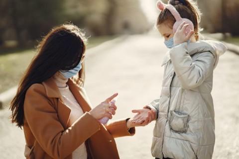 Cara Membiasakan Anak untuk Memakai Masker