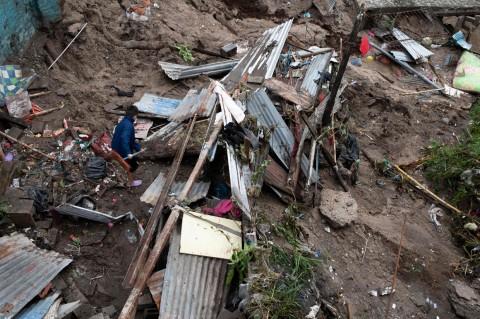 9 Orang Tewas Akibat Badai Tropis di El Salvador
