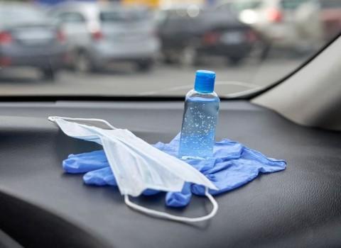 Amankah Membiarkan Hand Sanitizer Berada di Mobil Anda?