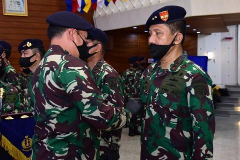 Laksda TNI Ahmadi Heri Purwono Resmi Jabat Pangkoarmada I