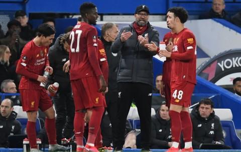 Klopp Minta Pemain-pemain Liverpool Rajin Memakai Masker dan Sarung Tangan