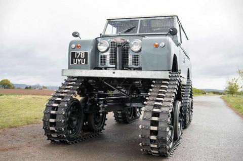 Land Rover 109 Series II Klasik Pede Pakai Ban Tank
