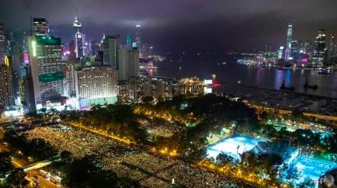 Hong Kong Pimpin Peringatan Tragedi di Lapangan Tiananmen