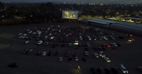 Nonton Bioskop ala Drive-in saat Pandemi Covid-19