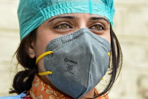 Peneliti Jelaskan Bagaimana Masker Menghambat Penyebaran Virus
