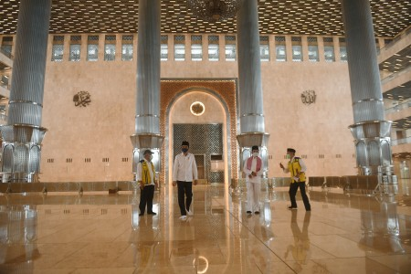 Masjid Istiqlal Belum Dibuka