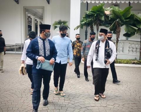 Anies Ikut Salat Jumat Gelombang Pertama di Masjid Balai Kota