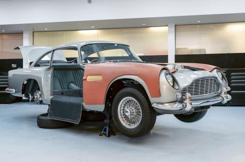 Aston Martin Kembali Produksi Mobil James Bond