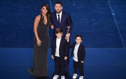 Momen Kebersamaan Istri Messi dengan Anak-anaknya