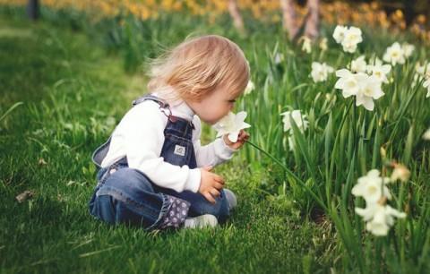 9 Tips Melatih Kemandirian Anak Umur 0-3 Tahun